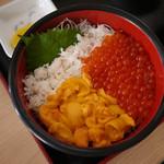 みさき - カニ・うに・いくらの【三色丼】¥2150