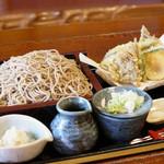 二八そば処 蕉風 - 料理写真:天ざる