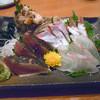 鳥松 - 料理写真:「刺身の盛合わせ」2050円