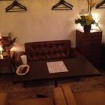 ワインカフェ用賀 - ゆったりソファ席