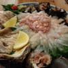 庵幸玄海酒膳 - 料理写真:コースのメニュー。カワハギと岩牡蠣、サザエ。