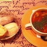 バイエルエッセン - パンとスープのセット