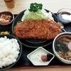 新興軒 - 料理写真:トンカツ定食1000円