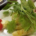 赤坂スペインクラブ アラ - 「本日のオススメのサラダ」は、ホワイトアスパラガスのサラダ
