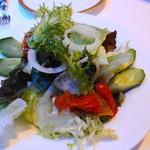 英一番館 - レタスと自家製ドライトマトのサラダ