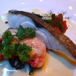 英一番館 - メダイのポアレのクリームソース 海老・牡蠣添え