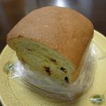 茶の子 - パプリカ入りカレンツ食パン(430円)