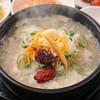 クッパヤ - 料理写真:[ハンヤン]の定番メニューサムゲタン(ランチ\780)。多くのお客様から愛されています。丁寧な仕込が美味しさの秘密であるサムゲタンを。。。