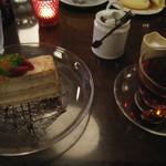 リアルダイニングカフェ - ミルフィーユと紅茶のセット
