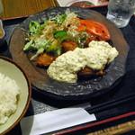 東京エガオ食堂 - 鶏ももカリカリ揚げ定食