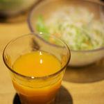 山本のハンバーグ - ウェルカム野菜ジュース。