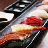 海臨丸 - 料理写真:毎日市場から仕入れた新鮮な鮮魚を利用!