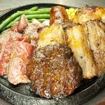 トゥッカーノ グリル&バー - 全部盛りは大ボリュームの700g!!今日はがっつり食べたいそんな日に。