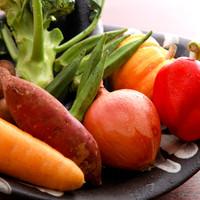 契約農家から仕入れる産直野菜はもう一つのこだわりです。