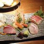 産地直送 お魚とお野菜 海畑 - 刺身3点盛り(1800円)にサービスで2点追加