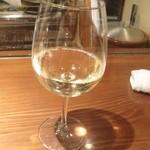 産地直送 お魚とお野菜 海畑 - 白ワイン(600円)