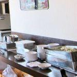 台湾料理 百楽門 - ランチはサラダバーがあります