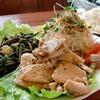 プティ・シャ - 料理写真:とりにくと山菜