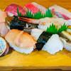 寿々女鮨 - 料理写真:地魚寿司