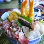 小安丸 - メガ盛り丼