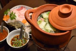 ガムランディー - 寒い季節は東北タイ式の小鍋「チムチュム」であったまろう