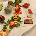 銀座 飛雁閣 - 前菜は9種類 鮮やかに器を彩っています