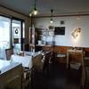 cafeカルマーレ - 内観写真:昼の店内♪大きな窓から太陽の心地良いひかりが入ります。