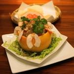 ベトナムちゃん - 2012.12 グレープフルーツと裂きイカのサラダ(980円)