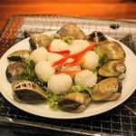 ベトナムちゃん - 2012.12 レモングラス鍋の具材、イカ団子とアサリ