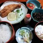 16329664 - 日替り定食(赤魚唐揚)¥680(H24.11.21撮影)