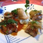キノシタ - 茨城県無菌豚 ロース肉のロースト 生姜の香りのソースとシャルキティエールソース 2種のソース、じゃが芋のピューレを添えて