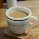 紅茶とお酒の店 teato - ジンジャーミルクティ