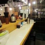 麺屋 にぼすけ - 店内の様子。2012年11月ver