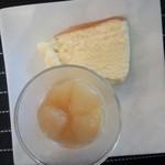 フレンド - ふわふわのチーズケーキとラフランスヨーグルト☆