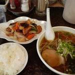 新華苑 - 料理写真:ある日の日替わり定食 ラーメンと酢豚にご飯