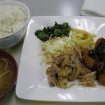 厚木市役所食堂 - カキフライと生姜焼き480円