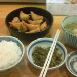 鉄なべ - だご汁定食。おかずは高菜漬け