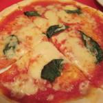 ラ・ベルデ - マルゲリータピザ