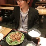 焼勿 - M山氏は豚の生姜焼きをチョイス