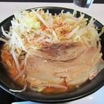 ジャンクガレッジ - 味噌ラーメン並(野菜増し)¥780