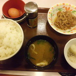 すき家 - 卵かけご飯「200円」+牛皿「150円」