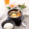東京純豆腐 - 料理写真:ランチタイムは毎日17時までやっているから安心!お一人様でもお友達と一緒でも気軽にどうぞ。