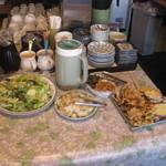 キッチン桑の樹 - 取り放題の惣菜