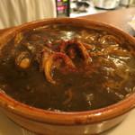 アヒルストア - 白イカとマッシュルームの墨煮込み