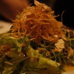 魚屋豪椀 - お通しはたっぷりのサラダ