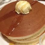 珈琲館 - グアテマラ産コーヒーの花蜂蜜で味わう手焼きホットケーキ