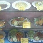 永楽ぜんざい - 懐かしの洋食の見本がショーケースに並んでいます