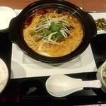 百菜百味 - 【ランチ初回訪問】牛バラのマーラー麺 980円