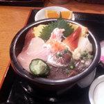 松乃栄 - 海鮮丼 アップ