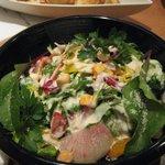 豚菜健美 とこ豚 - 彩り野菜のシーザーサラダ \740